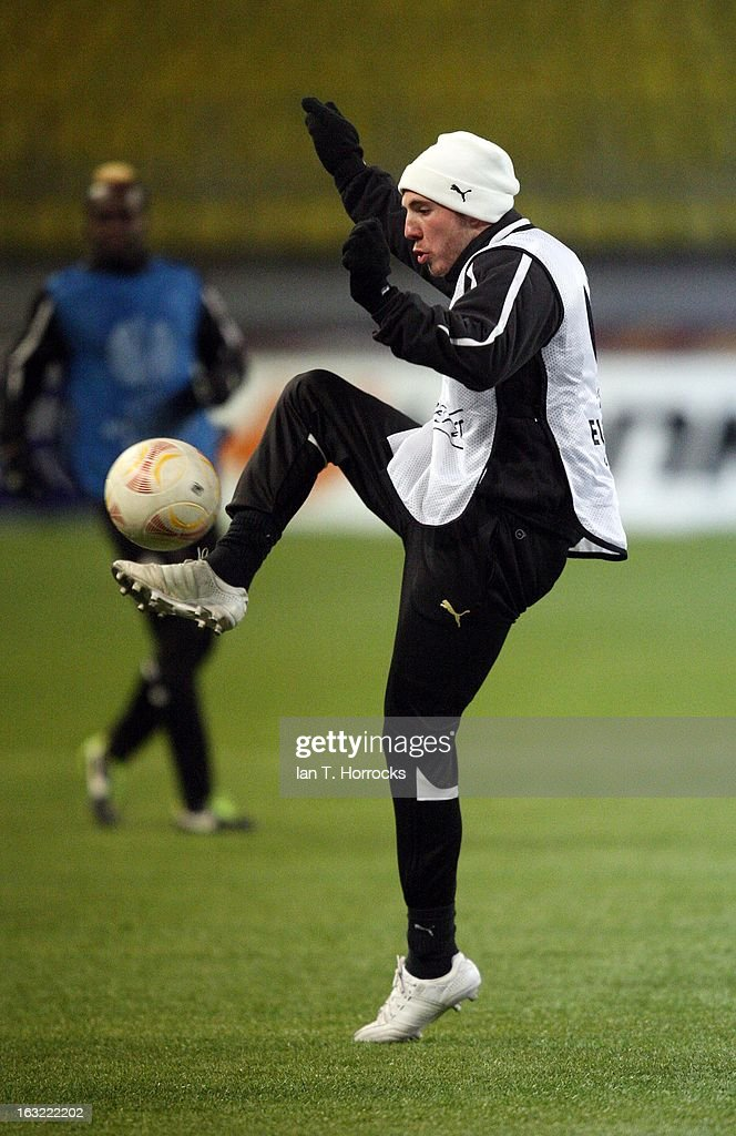 <a gi-track='captionPersonalityLinkClicked' href=/galleries/search?phrase=Dan+Gosling+-+Soccer+Player&family=editorial&specificpeople=8957793 ng-click='$event.stopPropagation()'>Dan Gosling</a> controls the ball during a Newcastle United training session ahead of the UEFA Europa League round of 16 first leg match against Anzhi Makhachkala at the Luzhniki Stadium in Moscow, Russia .
