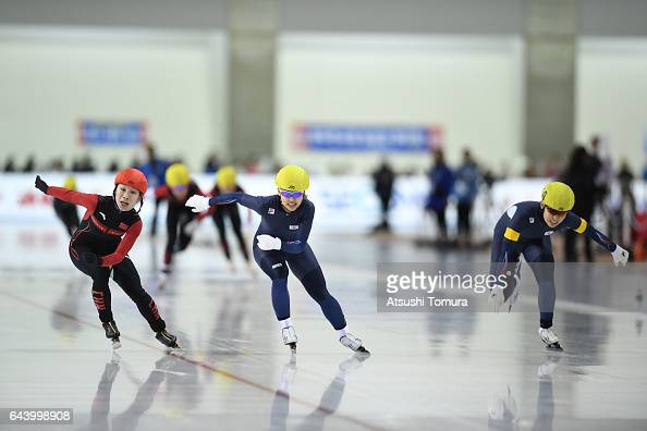 Dan Guo of China BoReum Kim of South Korea and DoYoung Park South Korea compete in the speed skating ladies mass start on the day six of the 2017...