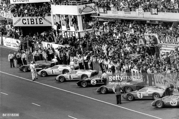 Dan Gurney Ken Miles John Whitmore Bruce McLaren Pedro Rodriguez Ford Mk II Ferrari 365P2/3 24 Hours of Le Mans Le Mans 19 June 1966