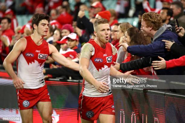 Dan Hannebery of the Swans thanks fans after winning the round 12 AFL match between the Sydney Swans and the Western Bulldogs at Sydney Cricket...