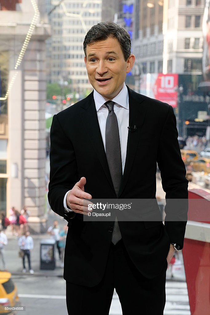 Dan Harris visits 'Extra' at their New York studios at H&M in Times Square on May 26, 2016 in New York City.