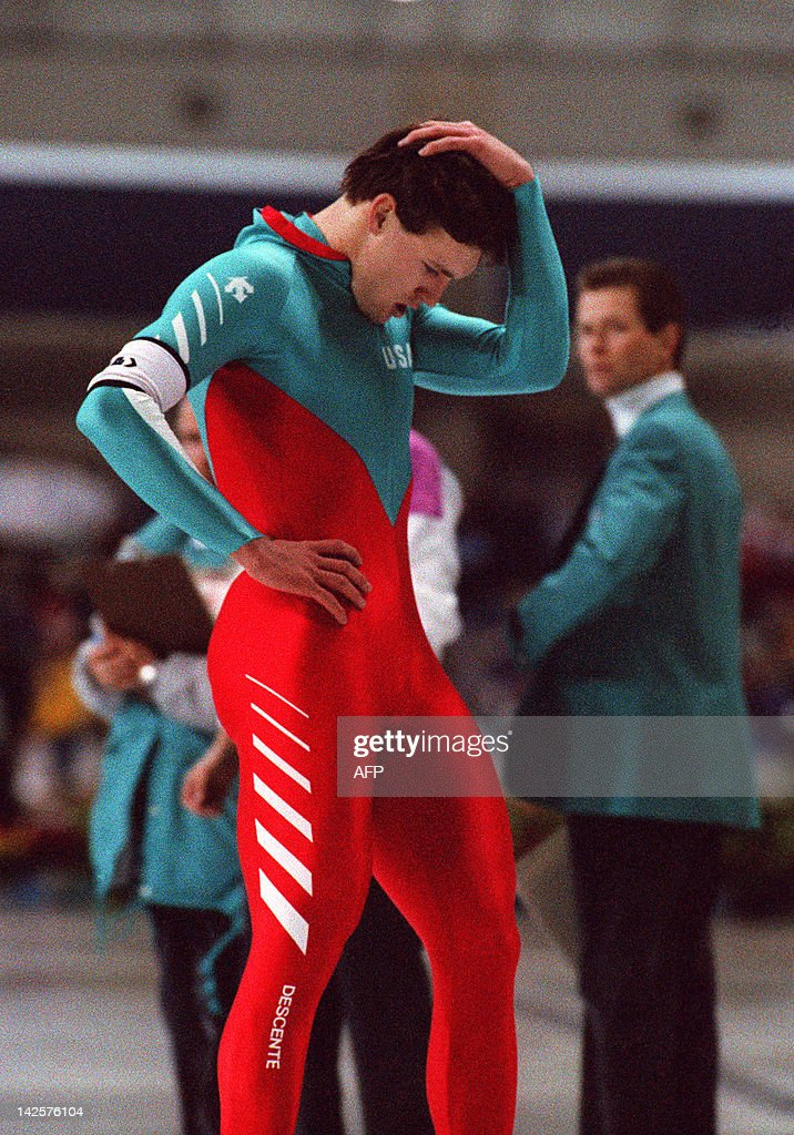<a gi-track='captionPersonalityLinkClicked' href=/galleries/search?phrase=Dan+Jansen&family=editorial&specificpeople=235919 ng-click='$event.stopPropagation()'>Dan Jansen</a>, one of the favorites to take the Olympic 500m speedskating title, holds his head in despair after falling and being disqualified during the race 14 February 1988 in Calgary at the XVth Winter Olympic Games. His sister, who had been suffering from leukemia, had died earlier in the day.