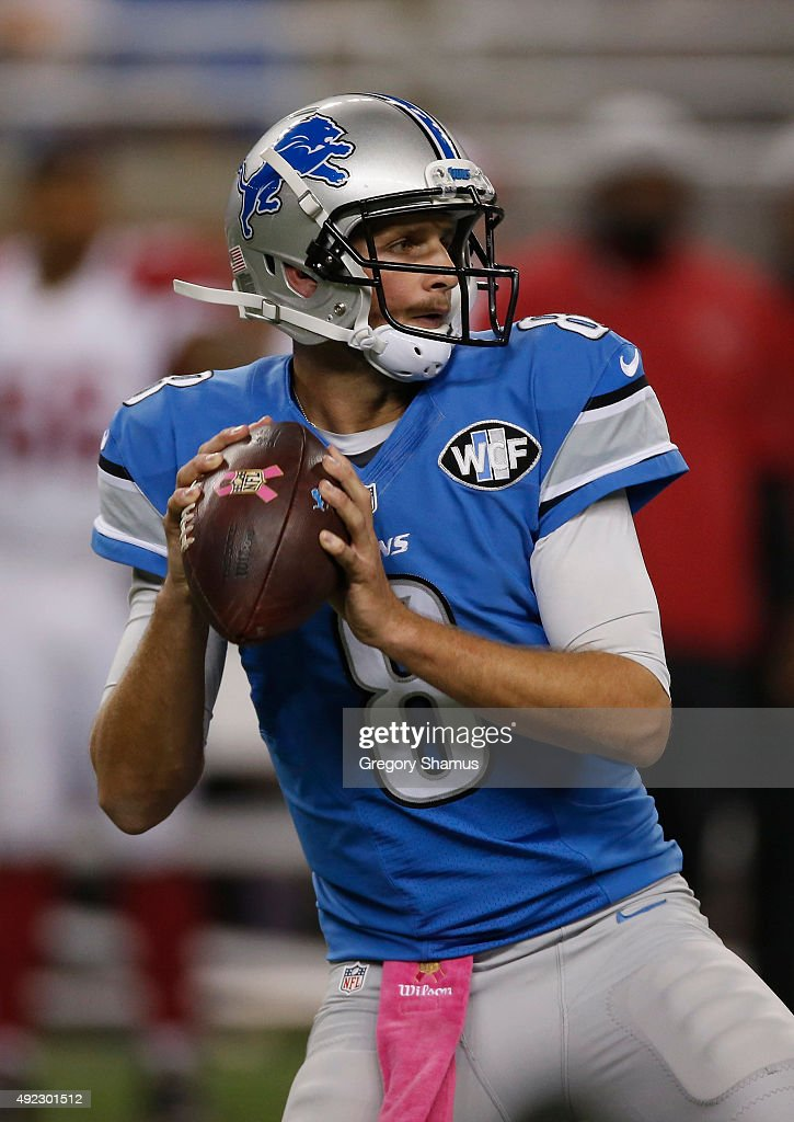 Dan Orlovsky #8 of the Detroit Lions throws a fourth quarter pass while playing the Arizona Cardinals at Ford Field on October 11, 2015 in Detroit, Michigan.