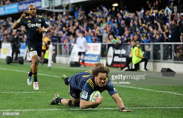 Dan Pryor of the Highlanders scores a try during the round 17 Super Rugby match between the Highlanders and the Chiefs at Forsyth Barr Stadium on...