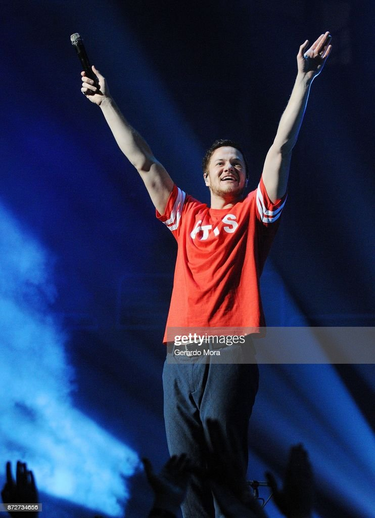 Dan Reynolds of Imagine Dragons performs at the Amway Center on November 10, 2017 in Orlando, Florida.