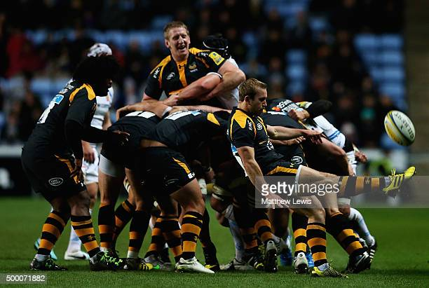 Dan Robson of Wasps kicks the ball clear during the Aviva Premiership match between Wasps and Exeter Chiefs at the Ricoh Arena on December 4 2015 in...