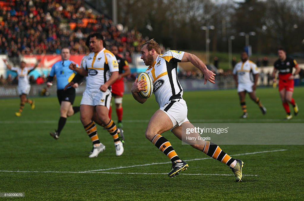 Dan Robson of Wasps scores his team's third try during the Aviva Premiership match between Saracens and Wasps at Allianz Park on February 14, 2016 in London, United Kingdom.