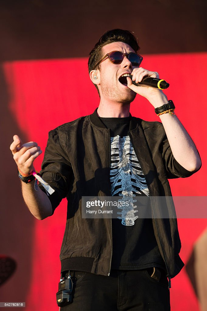 <a gi-track='captionPersonalityLinkClicked' href=/galleries/search?phrase=Dan+Smith+-+Musician+-+Bastille&family=editorial&specificpeople=13772993 ng-click='$event.stopPropagation()'>Dan Smith</a> from Bastille performs on The Other Stage, Glastonbury Festival 2016 at Worthy Farm, Pilton on June 24, 2016 in Glastonbury, England.