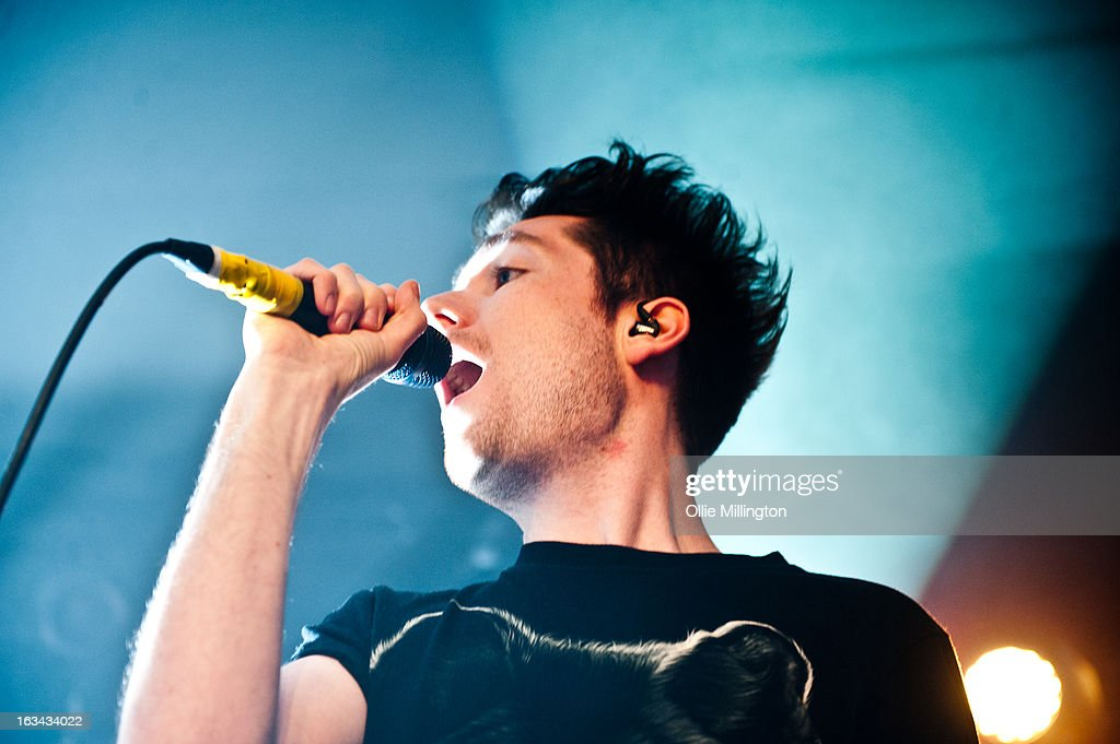 <a gi-track='captionPersonalityLinkClicked' href=/galleries/search?phrase=Dan+Smith+-+Musicien+-+Bastille&family=editorial&specificpeople=13772993 ng-click='$event.stopPropagation()'>Dan Smith</a> of Bastille performs the night before their debut album 'Bad Blood' charts in the UK at The Institute on March 9, 2013 in Birmingham, England.
