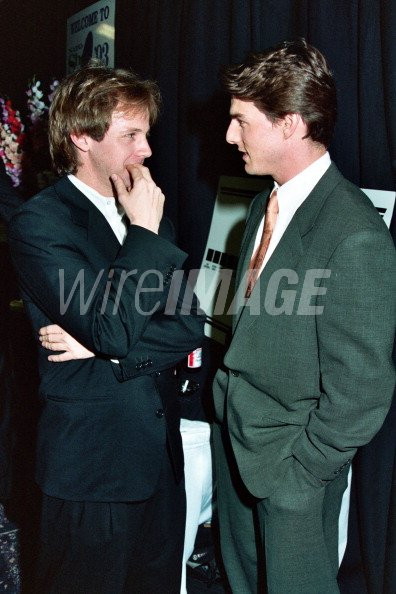 ¿Cuánto mide Tom Cruise? - Altura - Real height - Página 2 Dana-carvey-and-tom-cruise-during-1993-showest-in-las-vegas-nevada-picture-id111170602?s=594x594&w=125