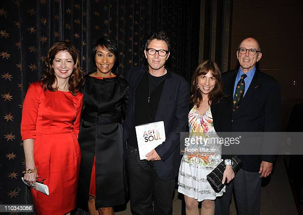 Dana Delany White House Social Secretary Desiree RogersTim Daly Robin Bronk and Michael Frankfurt attend the 2009 The Creative Coalition Annual...