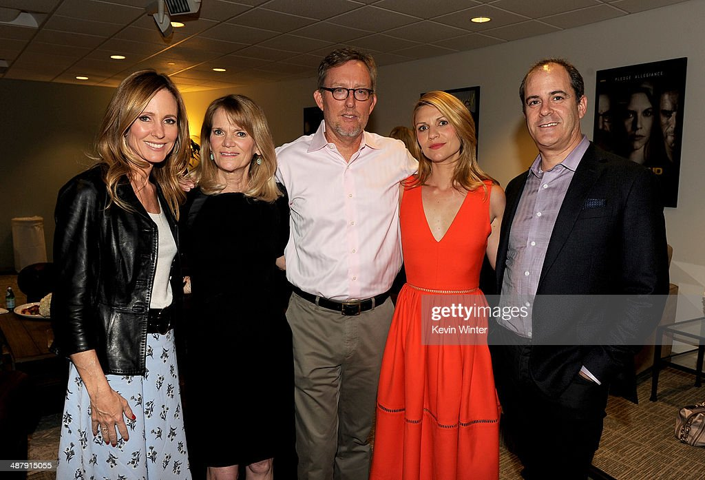 <a gi-track='captionPersonalityLinkClicked' href=/galleries/search?phrase=Dana+Walden&family=editorial&specificpeople=228126 ng-click='$event.stopPropagation()'>Dana Walden</a>, Chairman and CEO, 20th Century Fox Television Studios, ABC News journalist <a gi-track='captionPersonalityLinkClicked' href=/galleries/search?phrase=Martha+Raddatz&family=editorial&specificpeople=5003951 ng-click='$event.stopPropagation()'>Martha Raddatz</a>, executive producer <a gi-track='captionPersonalityLinkClicked' href=/galleries/search?phrase=Alex+Gansa&family=editorial&specificpeople=8016431 ng-click='$event.stopPropagation()'>Alex Gansa</a>, actress <a gi-track='captionPersonalityLinkClicked' href=/galleries/search?phrase=Claire+Danes&family=editorial&specificpeople=202666 ng-click='$event.stopPropagation()'>Claire Danes</a> and David Nevins, President, Showtime Networks pose at a screening of Showtime's 'Homeland' Season 3 Finale 'The Star' at 20th Century Fox Studios on May 2, 2014 in Los Angeles, California.