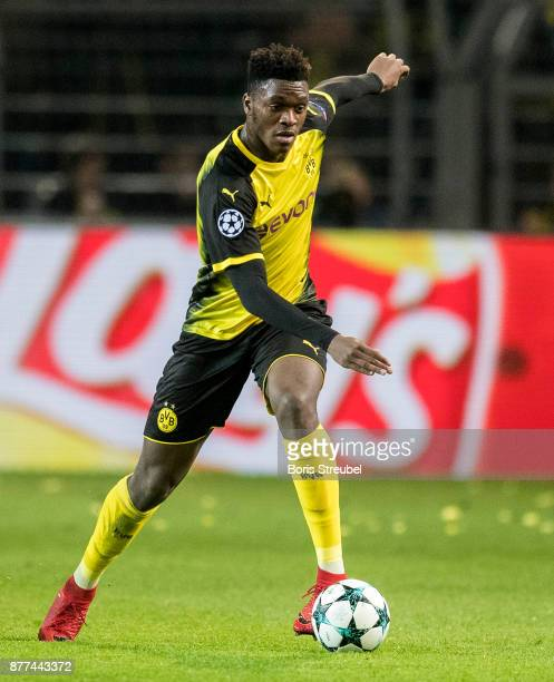 DanAxel Zagadou of Borussia Dortmund runs with the ball during the UEFA Champions League group H match between Borussia Dortmund and Tottenham...