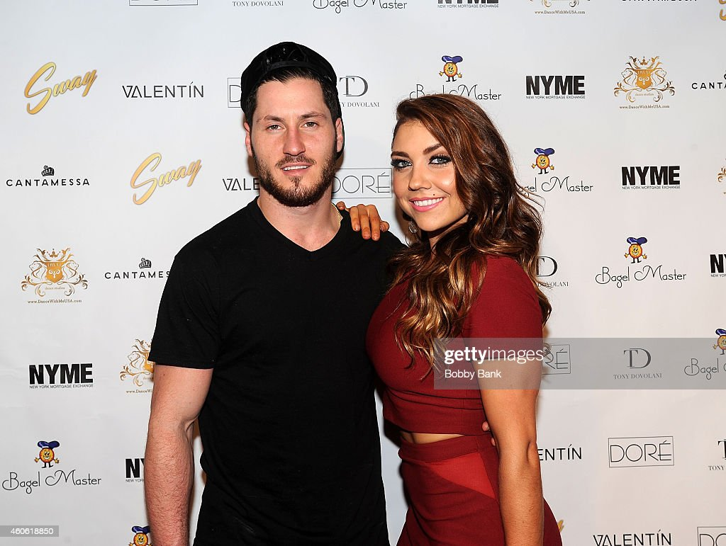 jenna johnson and val chmerkovskiy dating Ver vídeo val chmerkovskiy and jenna johnson are stronger than ever the dancing with the stars pros attended the 2017 industry.