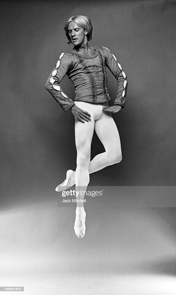 Dancer <a gi-track='captionPersonalityLinkClicked' href=/galleries/search?phrase=Alexander+Godunov&family=editorial&specificpeople=233734 ng-click='$event.stopPropagation()'>Alexander Godunov</a> photographed in New York City in 1981.