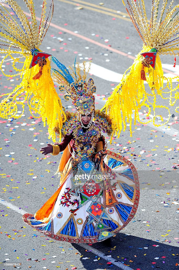 A dancer from the 'Taiwan Dreams Rising' float participates in the 2014 Rose Parade on January 1, 2014 in Pasadena, California.