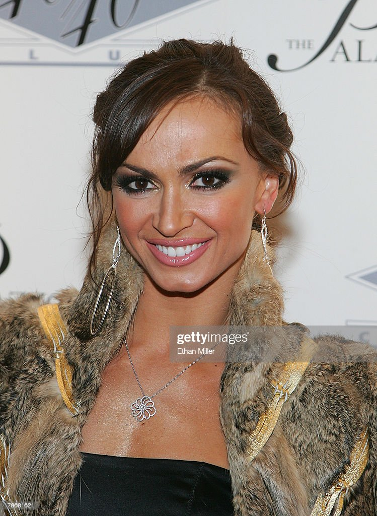 Dancer Karina Smirnoff arrives at the opening of Jay-Z's USD 20 million 40/40 Club, a 24,000-square-foot sports bar and lounge at The Palazzo Resort-Hotel-Casino early December 31, 2007 in Las Vegas, Nevada.