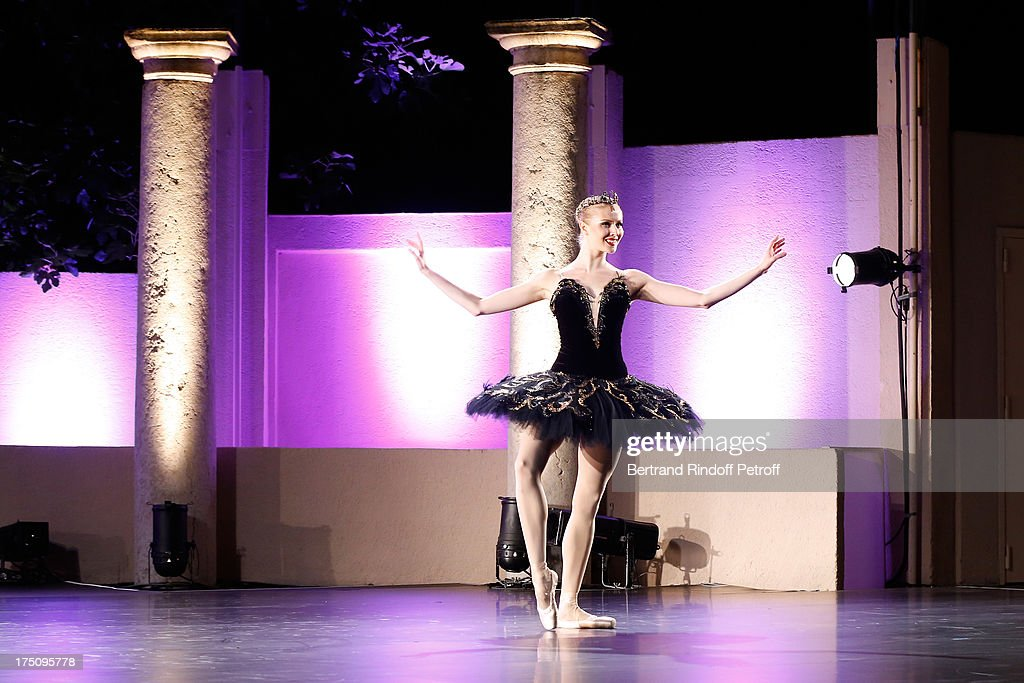 Dancer Olga Esina from StaatsBallet of Vienne performs at 'Stars under Stars' at 29th Ramatuelle Festival on July 31, 2013 in Ramatuelle, France.