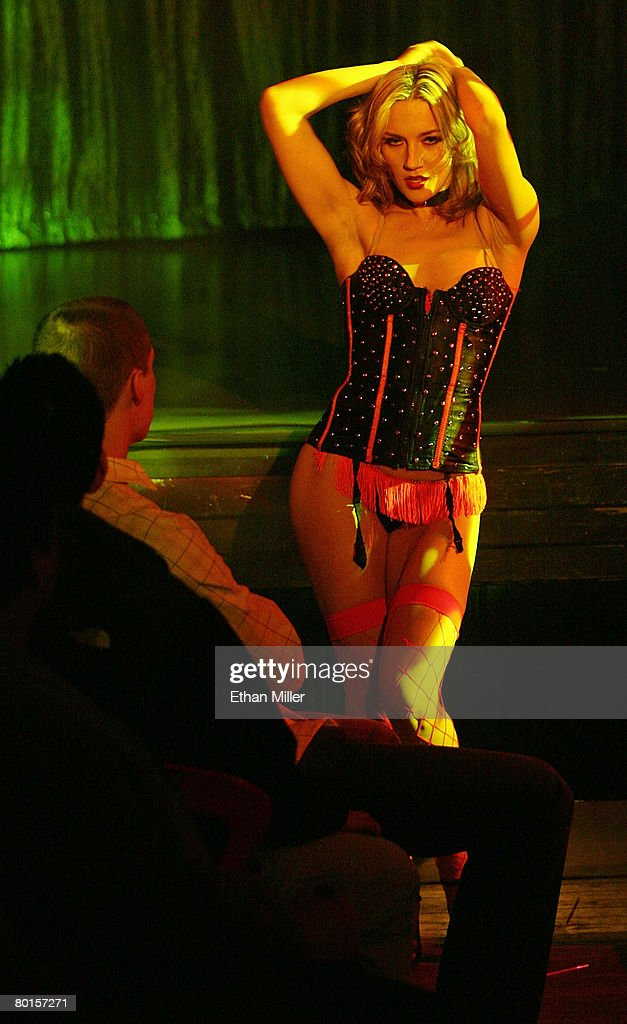 Early burlesque dancer