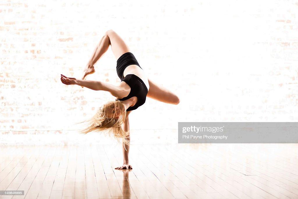 Dancer performing contemporary piece : Stock Photo