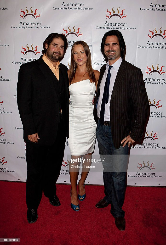 Dancer / television personality Edyta Sliwinska poses with the Flying Canter Brothers, Mason Canter (L) and Markus Canter at the City Night Lights Cocktail Party at Los Angeles City Hall on May 20, 2010 in Los Angeles, California.