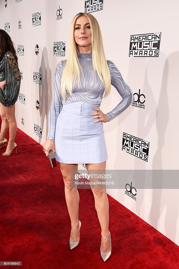 Dancer/actress Julianne Hough attends the 2016 American Music Awards at Microsoft Theater on November 20, 2016 in Los Angeles, California.