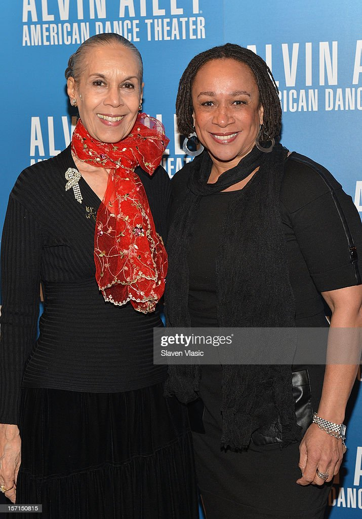Dancer/choreographer <a gi-track='captionPersonalityLinkClicked' href=/galleries/search?phrase=Carmen+de+Lavallade&family=editorial&specificpeople=984640 ng-click='$event.stopPropagation()'>Carmen de Lavallade</a> and actress <a gi-track='captionPersonalityLinkClicked' href=/galleries/search?phrase=S.+Epatha+Merkerson&family=editorial&specificpeople=213893 ng-click='$event.stopPropagation()'>S. Epatha Merkerson</a> attend the Alvin Ailey American Dance Theater Opening Night Gala at New York City Center on November 28, 2012 in New York City.