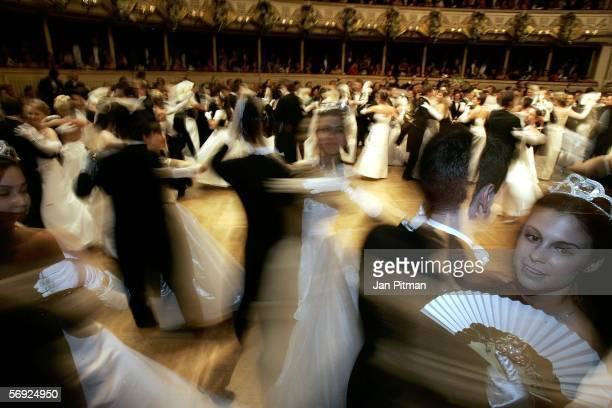 Dancers inaugurate the annual 'Vienna Opera Ball' at the Vienna State Opera on February 23 2006 in Vienna Austria This major European ball has been...