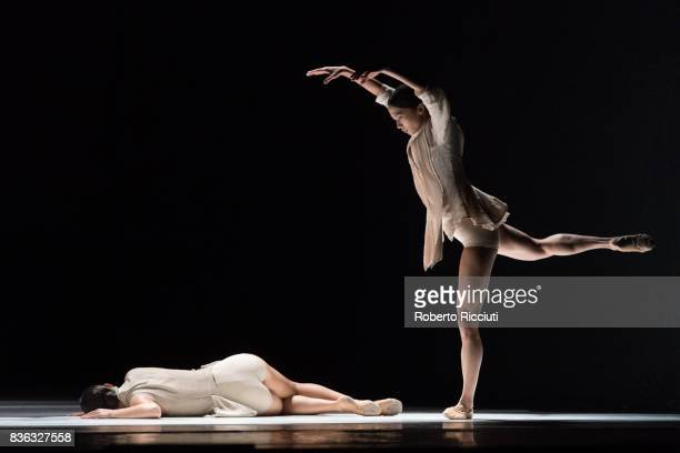 Dancers Juliette Brunner and MengeKe Wu of Netherland Dans Theatre perform on stage 'StopMotion' by choreographers Sol Leon and Paul Lightfoot during...