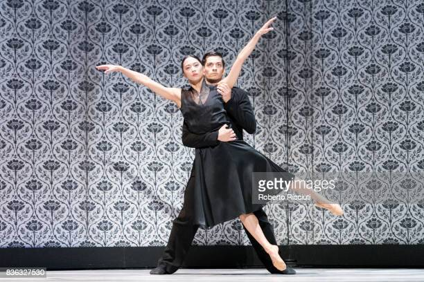 Dancers MengKe Wu and Olivier Coeffard of Netherland Dans Theatre perform on stage 'Shoot the moon' by choreographers Sol Leon and Paul Lightfoot...