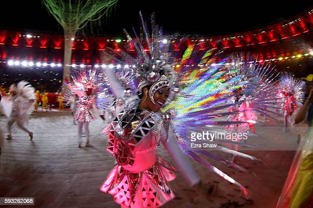 Dancers perform during the Closing Ceremony on Day 16 of the Rio 2016 Olympic Games at Maracana Stadium on August 21 2016 in Rio de Janeiro Brazil