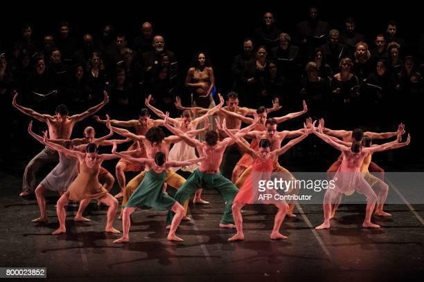 Dancers with the Rio de Janeiro ballet perform Carl Orff's 'Carmina Burana' at the Theatro Municipal in Rio de Janeiro Brazil on June 21 2017 The...