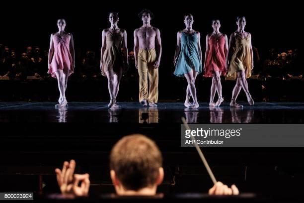 Dancers with the Rio de Janeiro ballet perform during the last rehearsal of Carl Orff's 'Carmina Burana' at the Theatro Municipal in Rio de Janeiro...