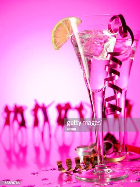 Danza con bicchieri di Champagne