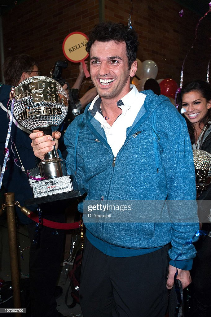 All Stars' winners <a gi-track='captionPersonalityLinkClicked' href=/galleries/search?phrase=Tony+Dovolani&family=editorial&specificpeople=4395523 ng-click='$event.stopPropagation()'>Tony Dovolani</a> (L) and <a gi-track='captionPersonalityLinkClicked' href=/galleries/search?phrase=Melissa+Rycroft&family=editorial&specificpeople=5761590 ng-click='$event.stopPropagation()'>Melissa Rycroft</a> arrive at ABC News' Good Morning America Times Square Studio on November 28, 2012 in New York City.