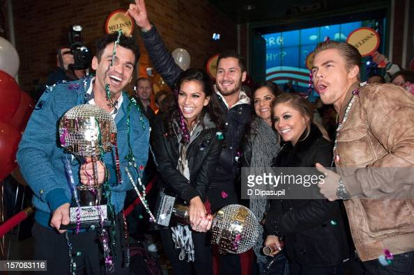 'Dancing With The Stars All Stars' winners Tony Dovolani and Melissa Rycroft and finalists Valentin Chmerkovskiy Kelly Monaco Shawn Johnson and Derek...