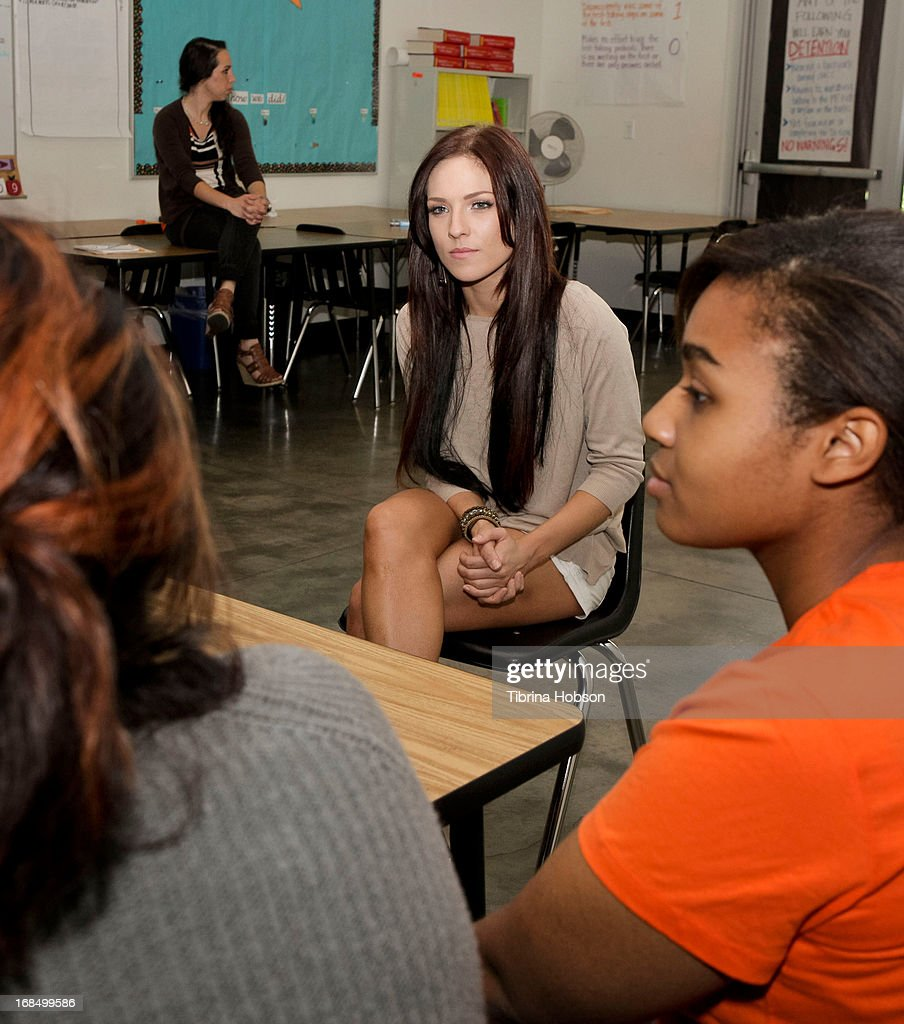 dancing the stars sharna burgess talks to some high school at a picture id168499586 dancing the stars sharna burgess talks to some high school students at a