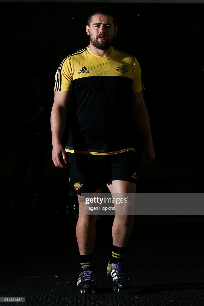 <a gi-track='captionPersonalityLinkClicked' href=/galleries/search?phrase=Dane+Coles&family=editorial&specificpeople=677007 ng-click='$event.stopPropagation()'>Dane Coles</a> of the Hurricanes takes the field to warm up during the round 14 Super Rugby match between the Hurricanes and the Highlanders at Westpac Stadium on May 27, 2016 in Wellington, New Zealand.