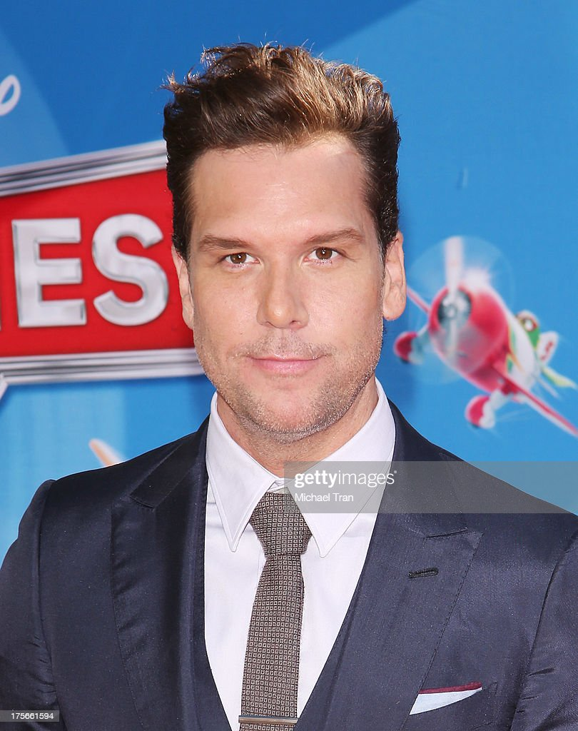 <a gi-track='captionPersonalityLinkClicked' href=/galleries/search?phrase=Dane+Cook&family=editorial&specificpeople=224026 ng-click='$event.stopPropagation()'>Dane Cook</a> arrives at the Los Angeles premiere of 'Planes' held at the El Capitan Theatre on August 5, 2013 in Hollywood, California.