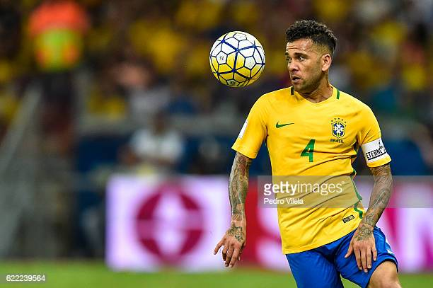 Dani Alves of Brazil controls the ball during a match between Brazil and Argentina as part 2018 FIFA World Cup Russia Qualifier at Mineirao stadium...