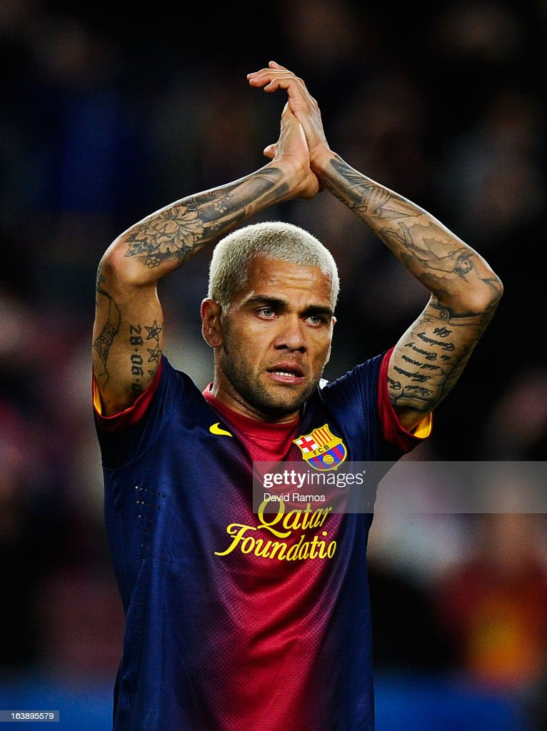 <a gi-track='captionPersonalityLinkClicked' href=/galleries/search?phrase=Dani+Alves&family=editorial&specificpeople=2191863 ng-click='$event.stopPropagation()'>Dani Alves</a> of FC Barcelona applauds the fans during the La Liga match between FC Barcelona and Rayo Vallecano at Camp Nou on March 17, 2013 in Barcelona, Spain.