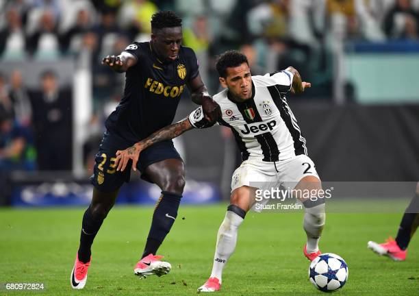 Dani Alves of Juventus and Benjamin Mendy of AS Monaco in action during the UEFA Champions League Semi Final second leg match between Juventus and AS...