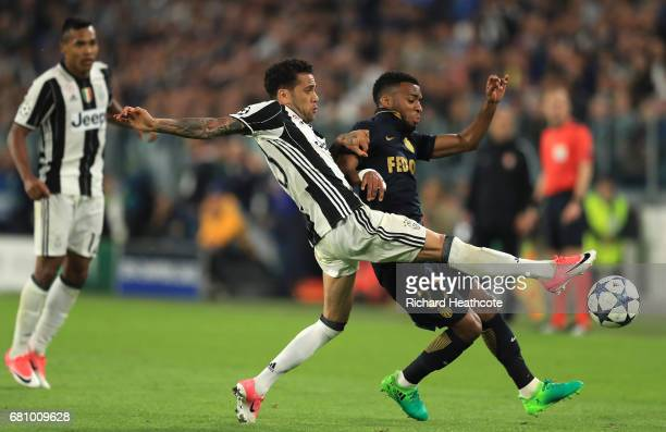 Dani Alves of Juventus and Thomas Lemar of AS Monaco in action during the UEFA Champions League Semi Final second leg match between Juventus and AS...