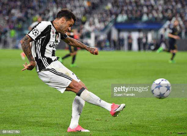 Dani Alves of Juventus in action during the UEFA Champions League Semi Final second leg match between Juventus and AS Monaco at Juventus Stadium on...