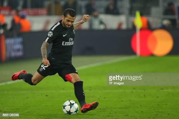 Dani Alves of Paris SaintGermain controls the ball during the UEFA Champions League group B match between Bayern Muenchen and Paris SaintGermain at...