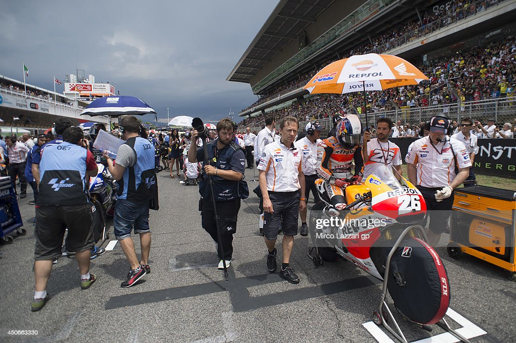 Dani Pedrosa of Spain and Repsol Honda Team prepares to start on the grid of the Moto GP race during the MotoGp of Catalunya - Race at Circuit de Catalunya on June 15, 2014 in Montmelo, Spain.