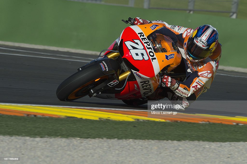 Dani Pedrosa of Spain and Repsol Honda Team rounds the bend during the MotoGP Tests in Valencia - Day 2 at Ricardo Tormo Circuit on November 12, 2013 in Valencia, Spain.