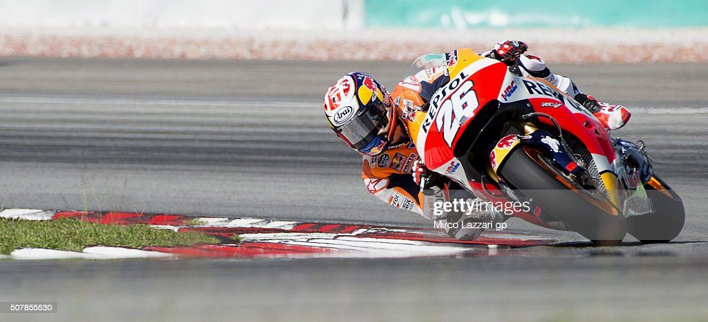 Dani Pedrosa of Spain and Repsol Honda Team rounds the bend during the MotoGP Tests In Sepang at Sepang Circuit on February 1, 2016 in Kuala Lumpur, Malaysia.