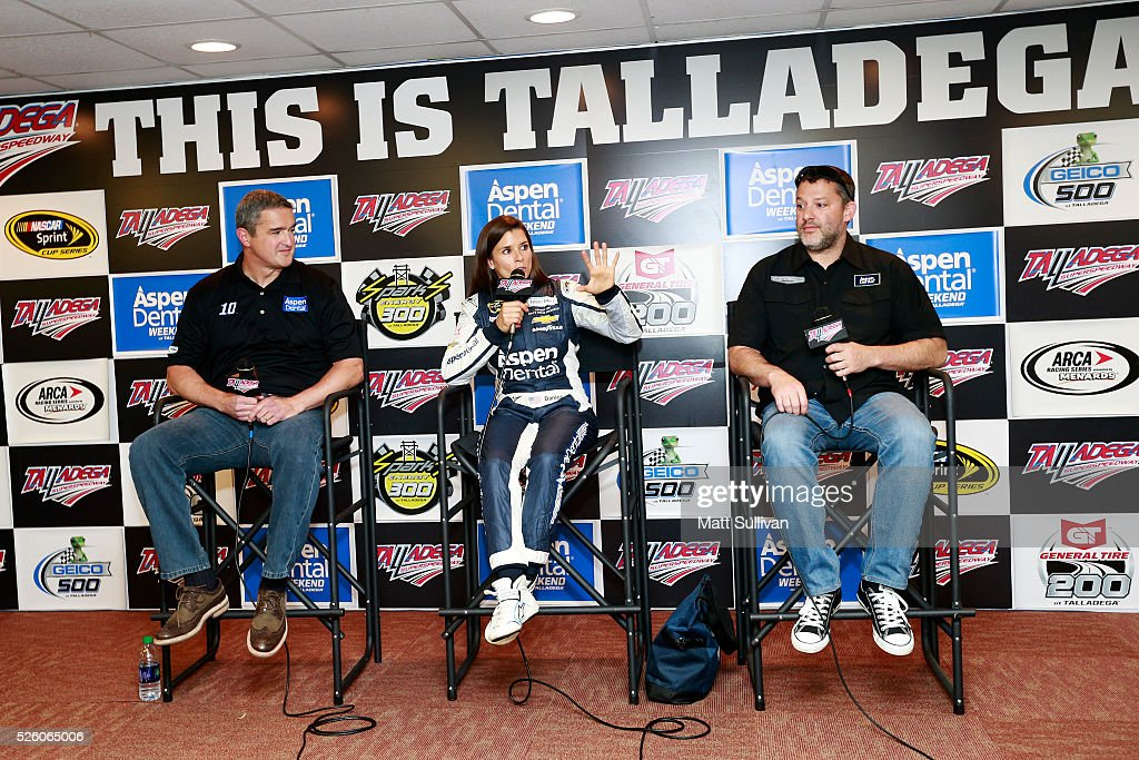 <a gi-track='captionPersonalityLinkClicked' href=/galleries/search?phrase=Danica+Patrick&family=editorial&specificpeople=183352 ng-click='$event.stopPropagation()'>Danica Patrick</a>, driver of the #10 Aspen Dental Chevrolet, and <a gi-track='captionPersonalityLinkClicked' href=/galleries/search?phrase=Tony+Stewart+-+Piloto+de+automobilismo&family=editorial&specificpeople=201686 ng-click='$event.stopPropagation()'>Tony Stewart</a>, driver of the #14 Bass Pro Shops Chevrolet, speak to the media prior to practice for the NASCAR Sprint Cup Series GEICO 500 at Talladega Superspeedway on April 29, 2016 in Talladega, Alabama.