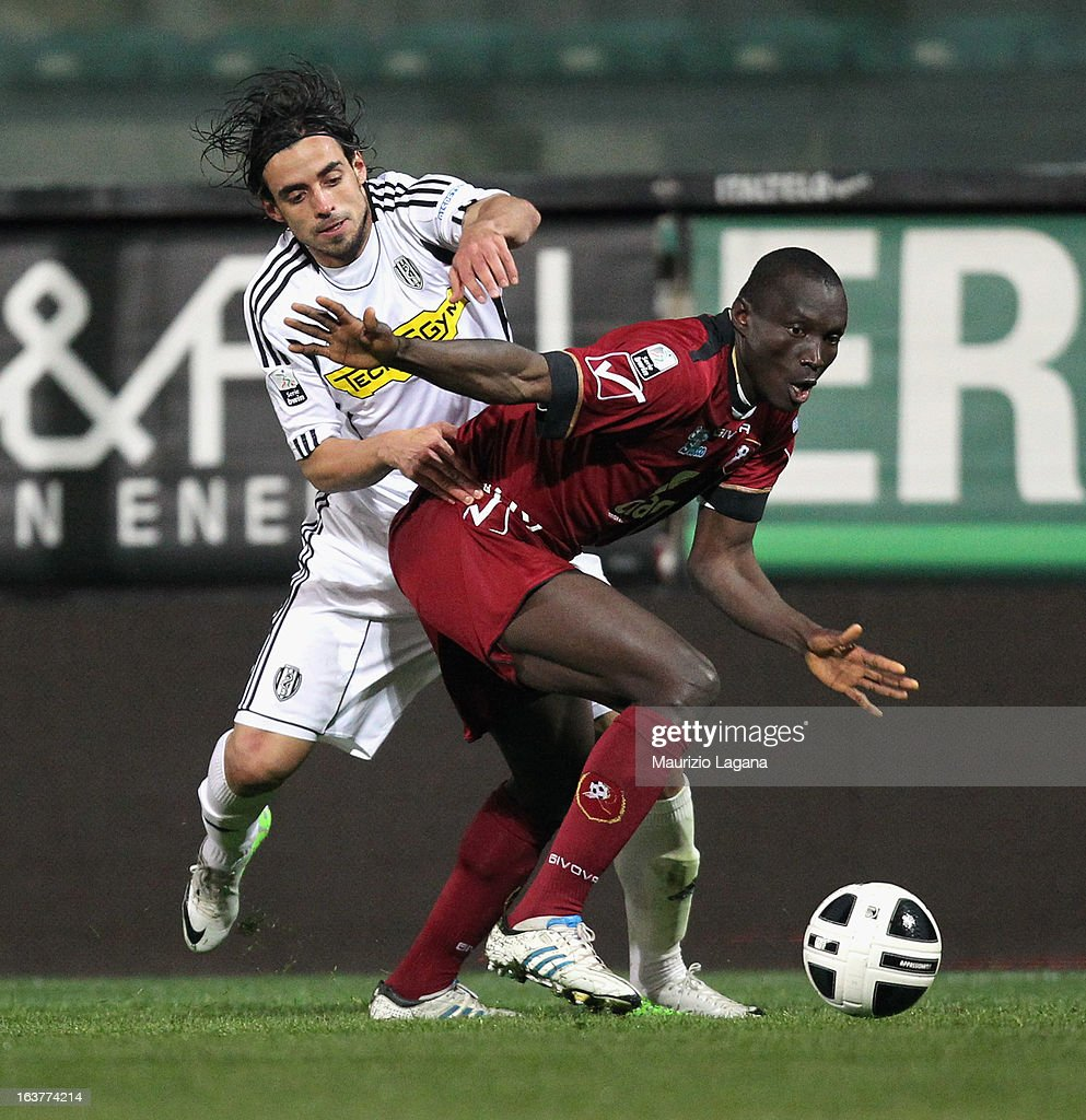 Daniel Adejo (R) of Reggina Calcio competes for the ball with Pablo Granoche of AC Cesena during the Serie B match between Reggina Calcio and AC Cesena at Stadio Oreste Granillo on March 15, 2013 in Reggio Calabria, Italy.